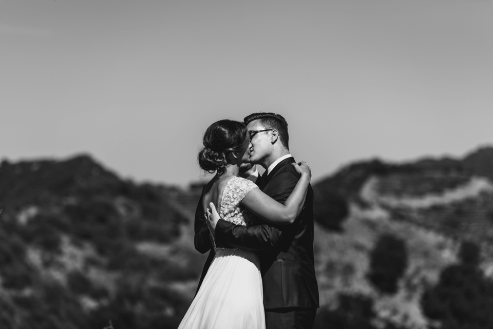 First kiss at saddlerock ranch dome venue