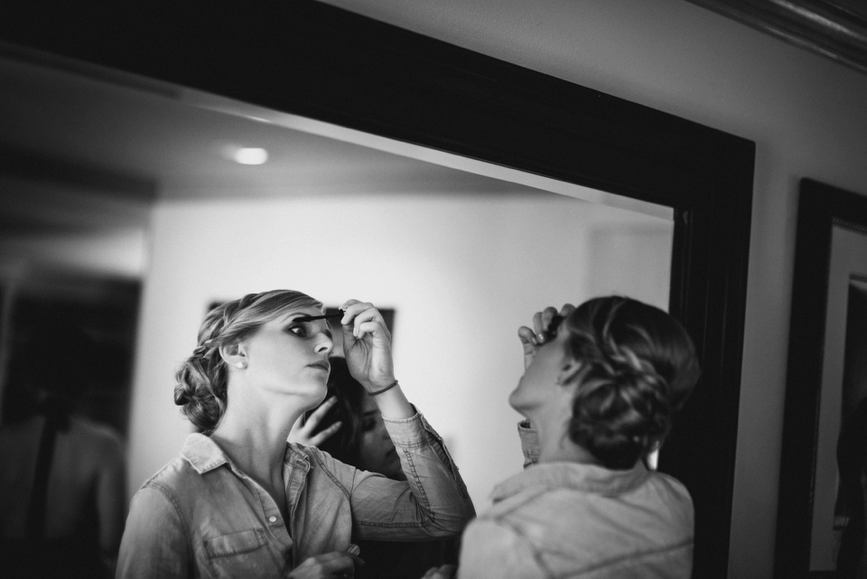 bridesmaids doing makeup