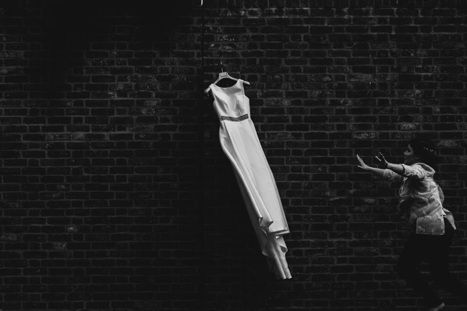 wedding dress catch