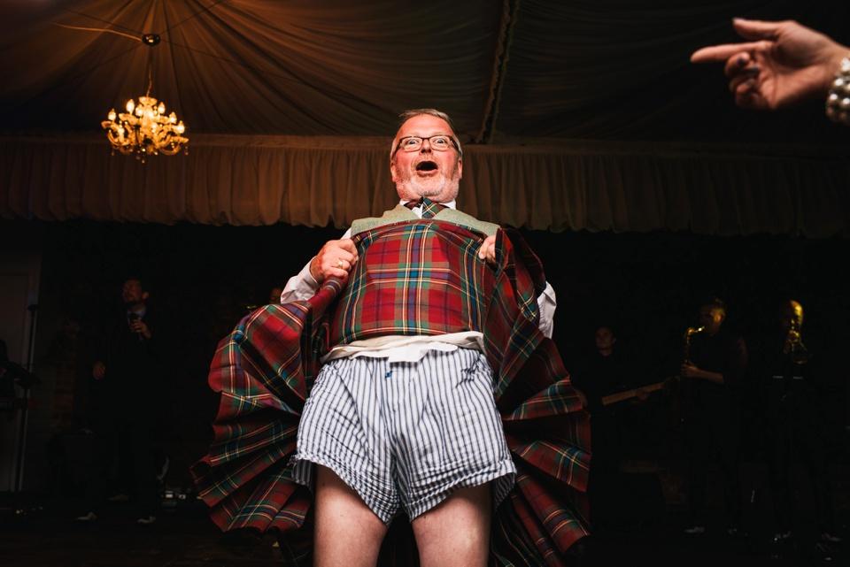 hilarious kilt lift on dance floor