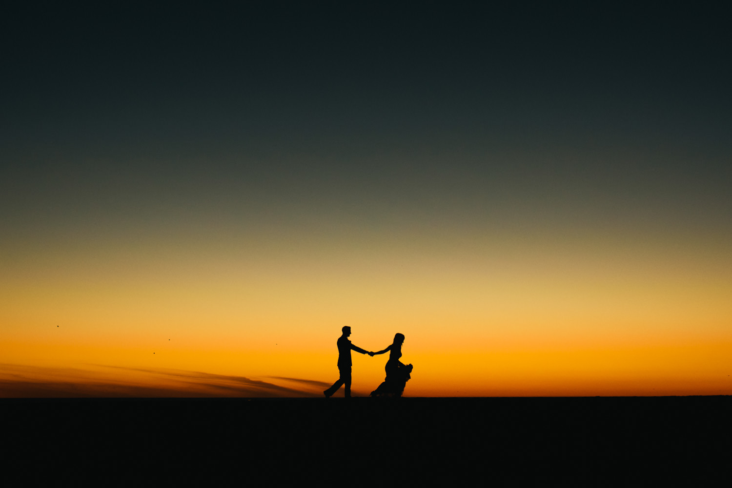 bride and groom sunset silhouette - Best LA Wedding Photography